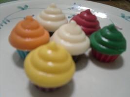 3D Super Mini Cupcakes - $4.75