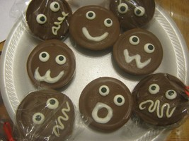 Funny Face Chocolate Covered Oreos - $18.00