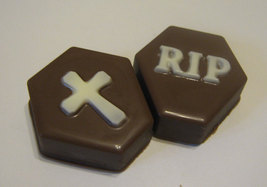 Tombstone cross and rip chocolate covered oreo sandwich cookies party favors image 3