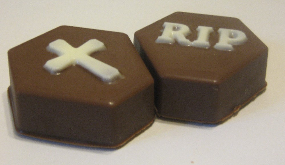 Tombstone cross and rip chocolate covered oreo sandwich cookies party favors image 4