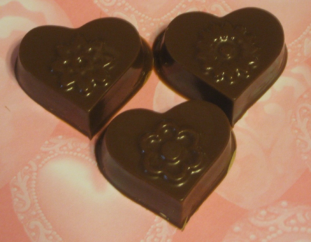 One dozen hearts and flowers caramel or peanut butter cup party favors image 2