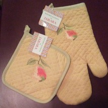 OVEN MITT POTHOLDER SET 2-pc with Embroidered Pear Fruit Yellow Green NEW - $7.99