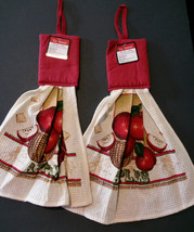 APPLE TOWELS Set of 2 Hanging Kitchen Tea Towel Potholder Red Apples NEW - $7.99