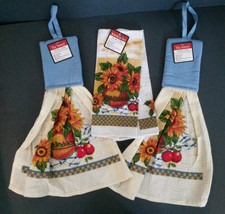 Sunflower Hanging Towels Dishcloths 4-pc Set Flowers Apples in Bowl NEW - $13.49