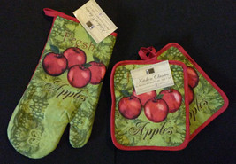 APPLE theme OVEN MITT POTHOLDERS 3pc Set Red Fresh Apples Fruit Green NEW - $9.99