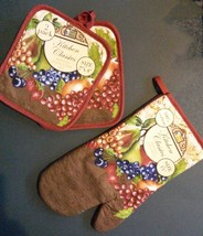 FRUIT theme OVEN MITT POTHOLDERS 3-pc Set Brown Red Grapes NEW - $10.99