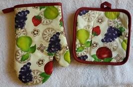 FRUIT OVEN MITT POTHOLDER 2pc Set Grapes Apple Pear Red trim NEW image 1