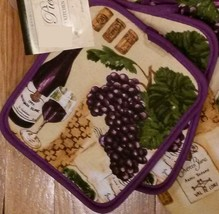 PURPLE WINE POTHOLDERS Set of 2 French Wine Bottle Grapes Sauvignon Blan... - $7.99