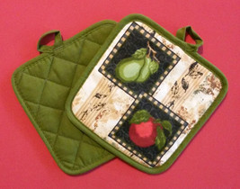APPLE PEAR KITCHEN SET 4-pc Towels Pot Holders Fruit Apples Pears Green Red NEW image 2
