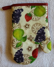 FRUIT OVEN MITT POTHOLDER 2pc Set Grapes Apple Pear Red trim NEW image 3