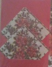 HOLIDAY PLACEMATS COASTERS 4pc Set Christmas Holly Poinsettia Leaves Red Green image 2