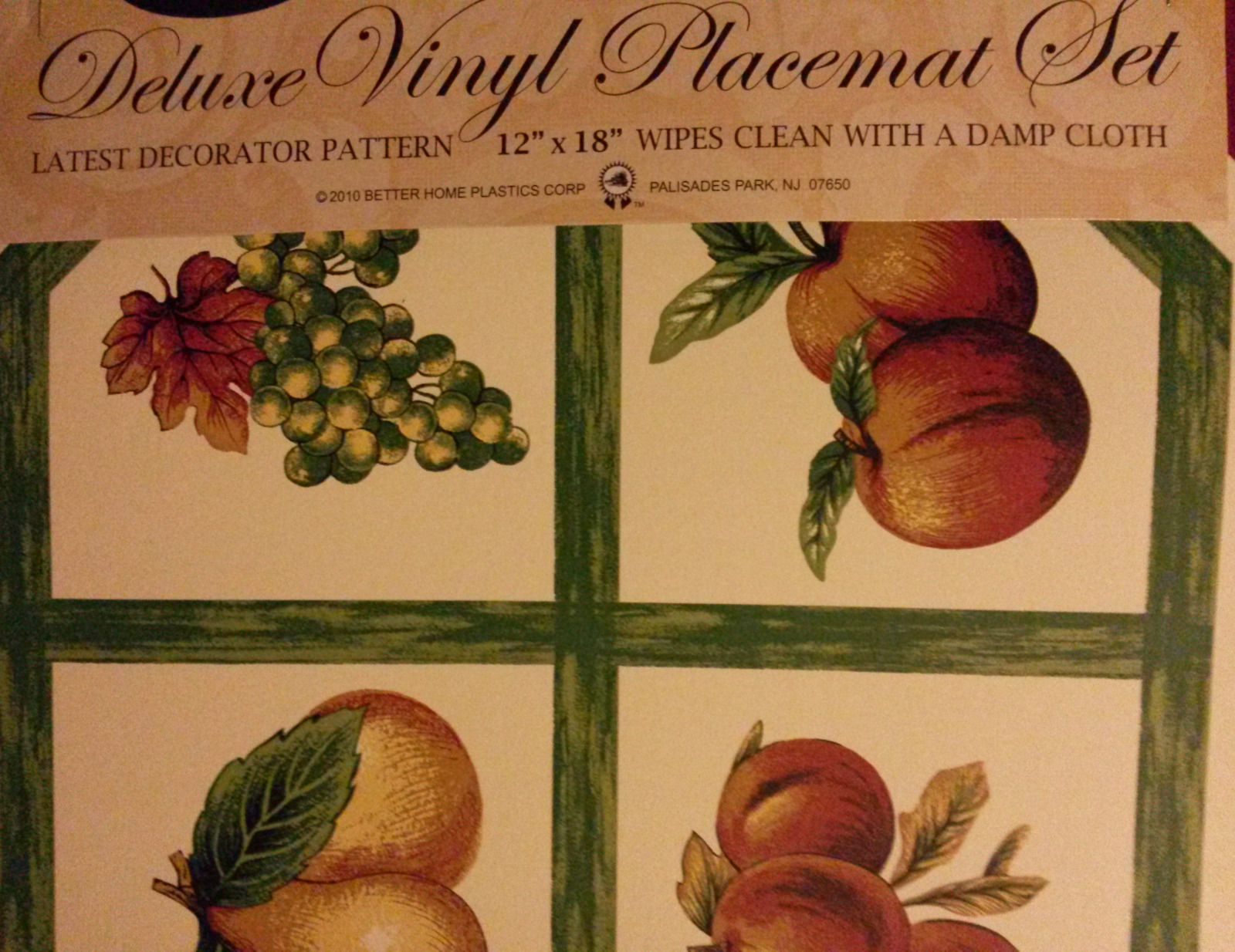 FRUIT Design PLACEMATS Set of 2 Vinyl Octagon Apple Grapes Pear Green Check NEW