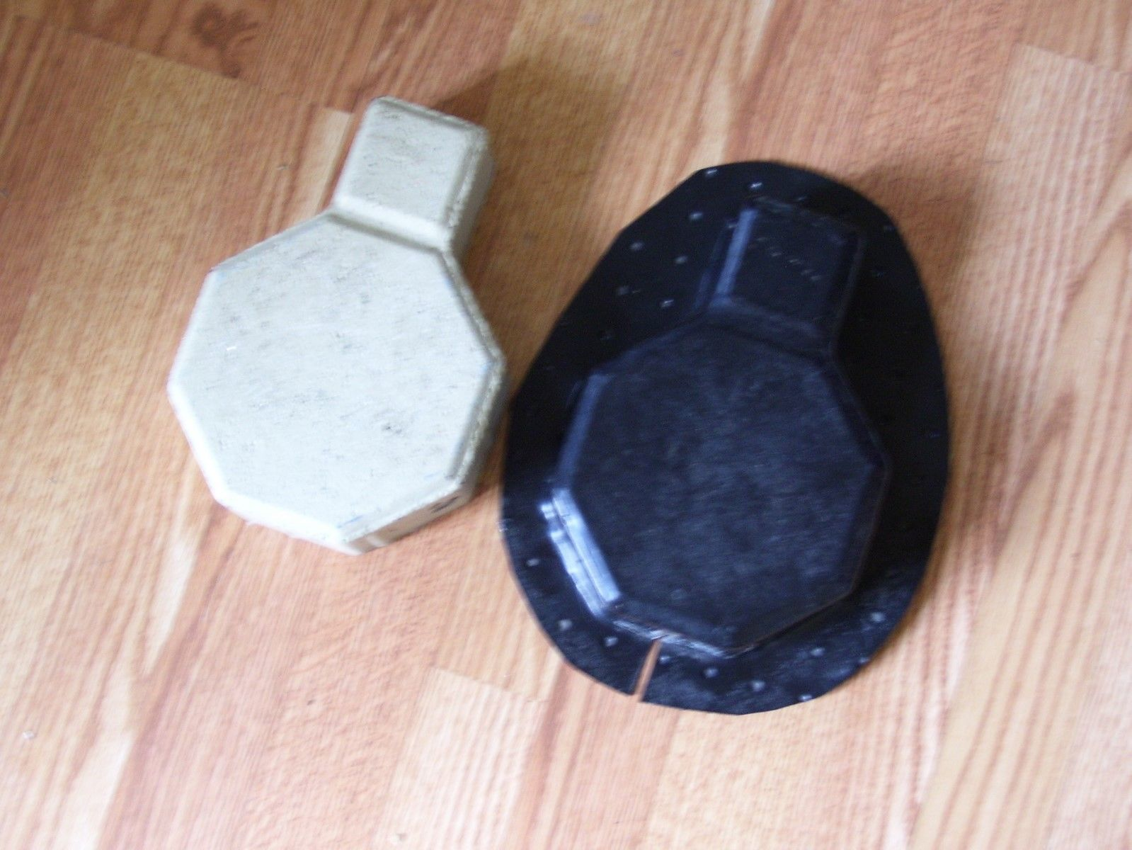 8 SIDED PAVER CONCRETE PLASTIC MOLD...(6 X 6 X 9 X 3) INCHES  MAKE FOR $.35sq.ft