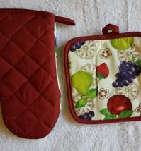 FRUIT OVEN MITT POTHOLDER 2pc Set Grapes Apple Pear Red trim NEW image 5