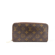 Louis Vuitton Monogram Canvas Zippy Wallet - $705.00