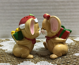 Vintage Kissing CHRISTMAS MICE Salt & Pepper Shakers Holiday Novelty Shakers - $8.50