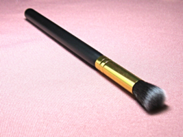 Full Size Eyeshadow Blending Shading Makeup Artist Brush  - $266,66 MXN