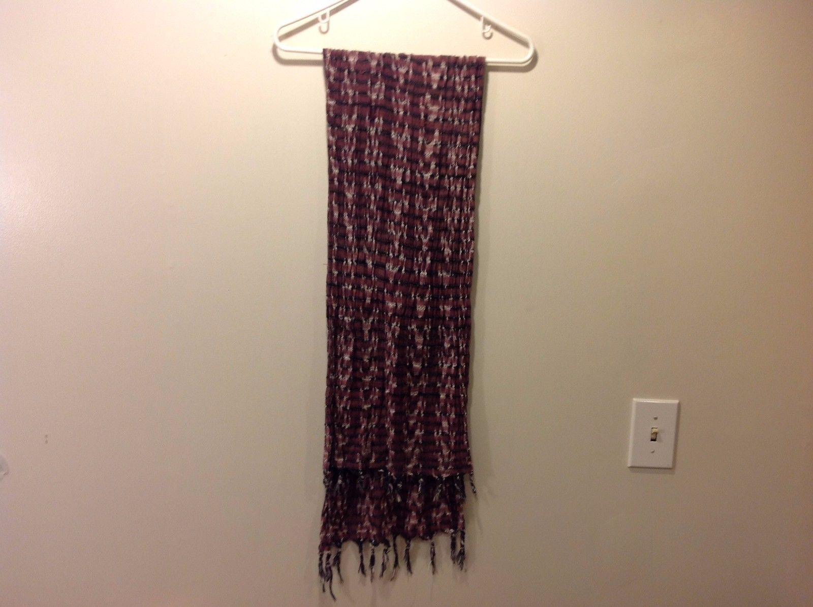 Maroonish Purpley Pink Gray n White Patterned Knit Scarf w Fringe