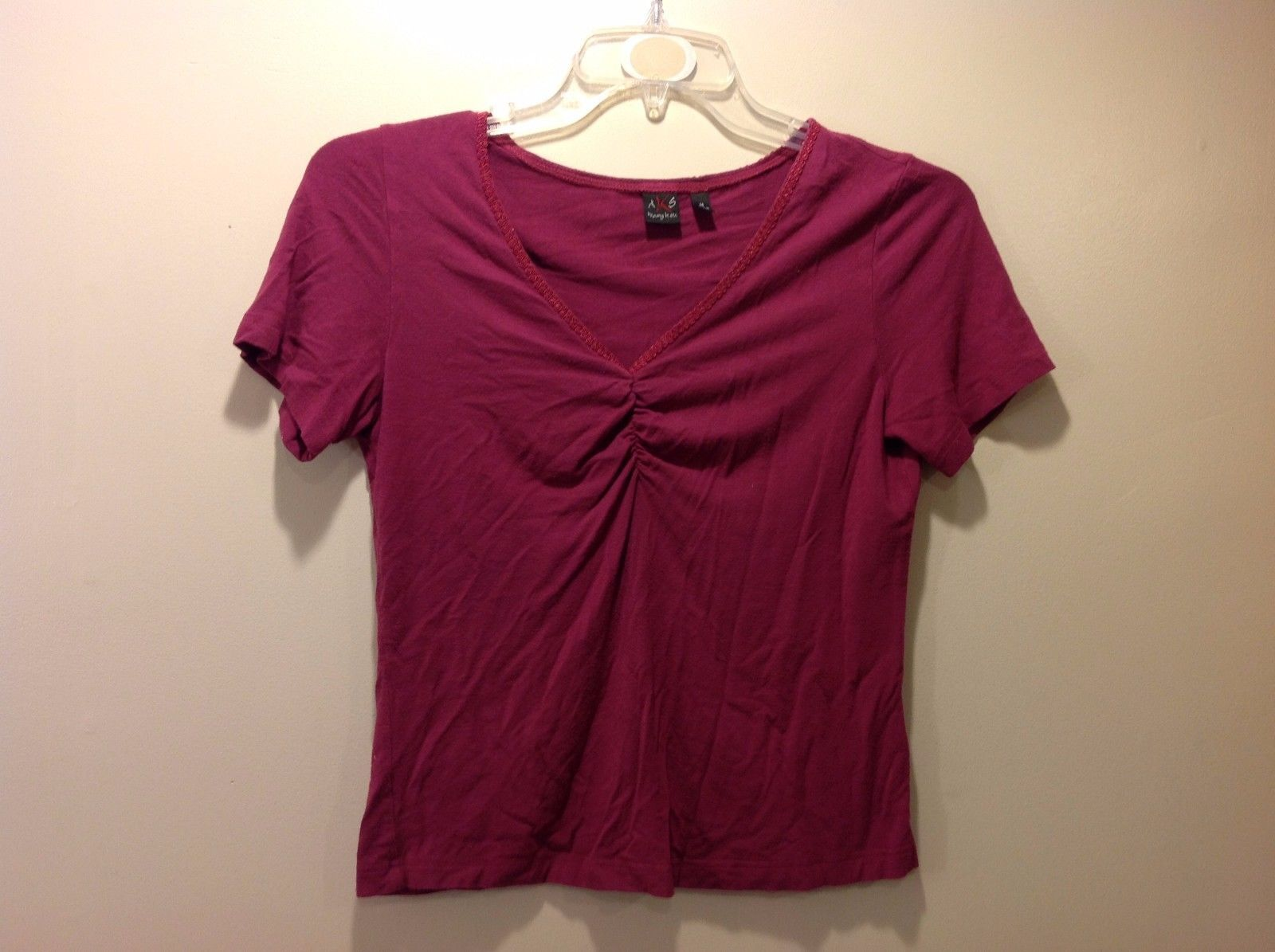 AKS Magenta V Neck Short Sleeve Blouse w Embroidered Neckline Sz M