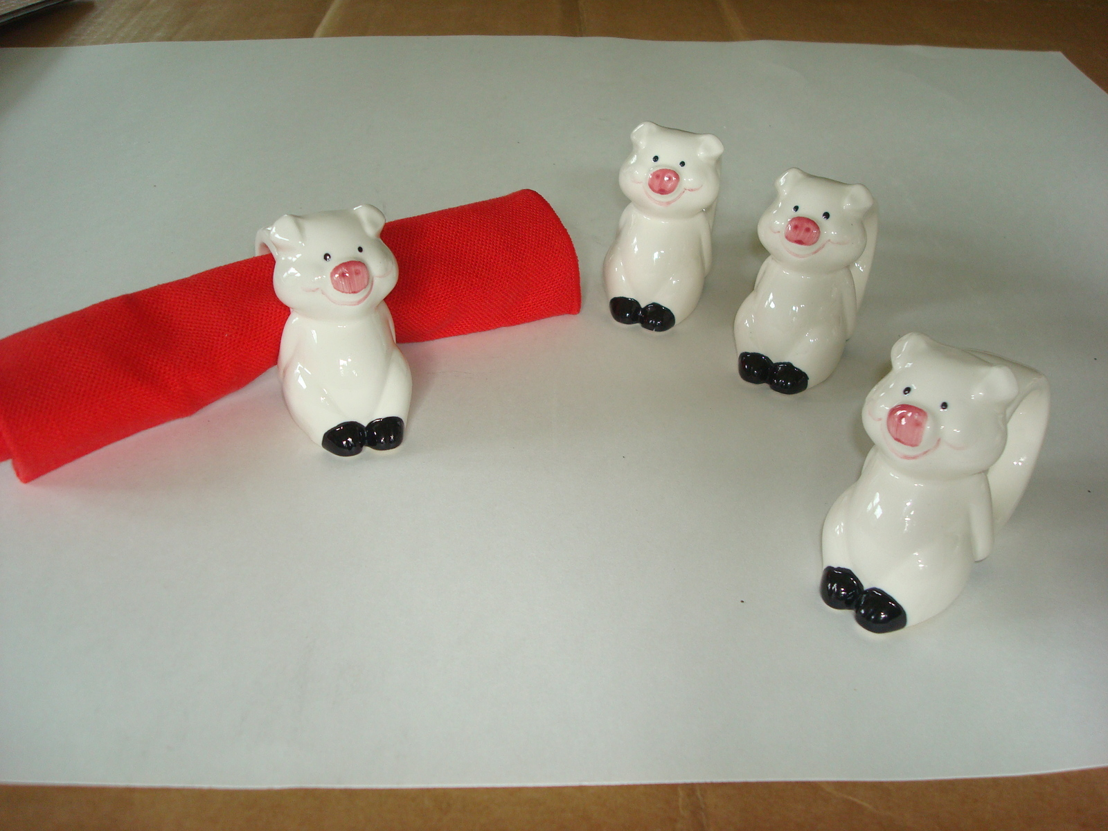 Table Accessories  Butter Dish, Napkin Holder, Saltpepper, Napkin Rings