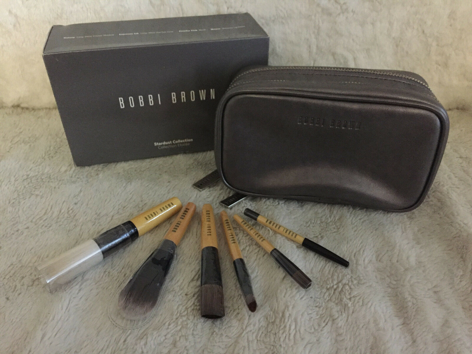 Primary image for NIB Bobbi Brown Stardust Collection 6pcs Mini Brush Set, Face Blender/Foundation