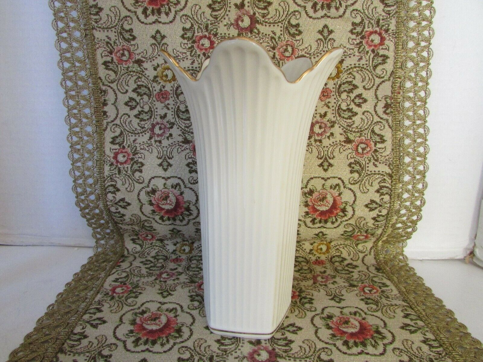 "LENOX CHINA FLORAL VASE 7-3/4""H RIBBED W/GOLD TRIM MADE IN USA"
