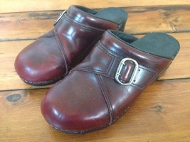 Dansko Burgundy Leather Womens Slip On Shoes Mules Buckle Clogs 7.5 38 - $25.89