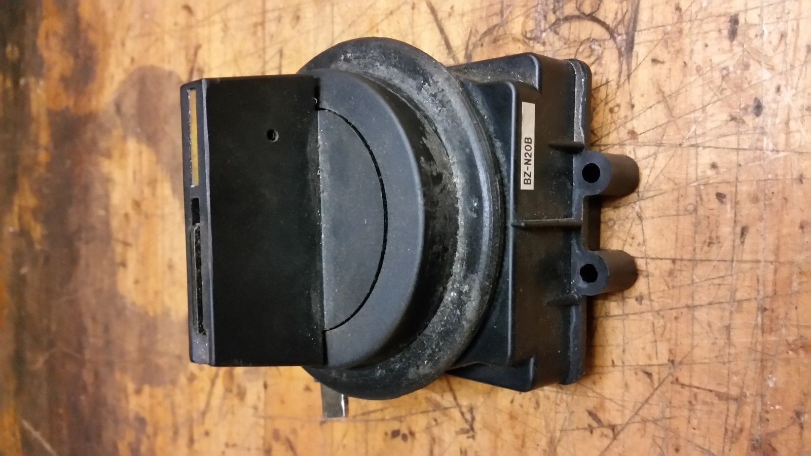 Fuji Auto Breaker Knob Switch SA33B fanuc rj2 robot control box and others