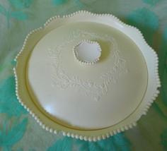 Vintage AVON Here's My Heart Beauty Dust powder box & Lid beadwork hearts - $9.50