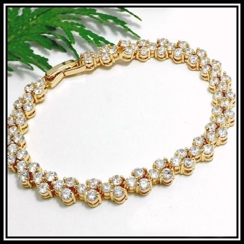 Valentines Gift 7.50 ctw Sparkling White CZ Bracelet AAA Grade 18kt Gold Plated