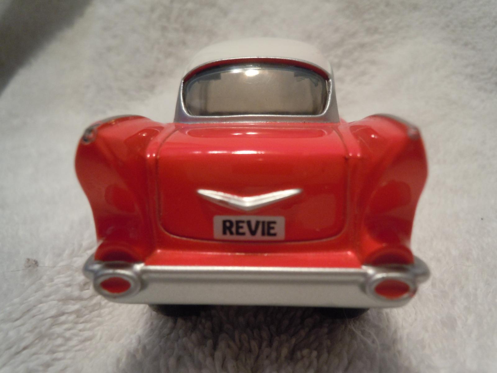 Revie Red Car Ertl 1831 SR
