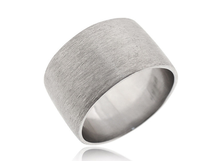 Sterling silver ring5 2a918a9e d491 4f39 942f 5dccbbe4cff3