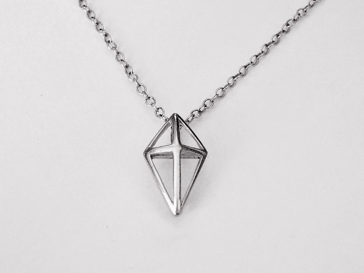 SOVATS 3D TRIANGLE NECKLACE
