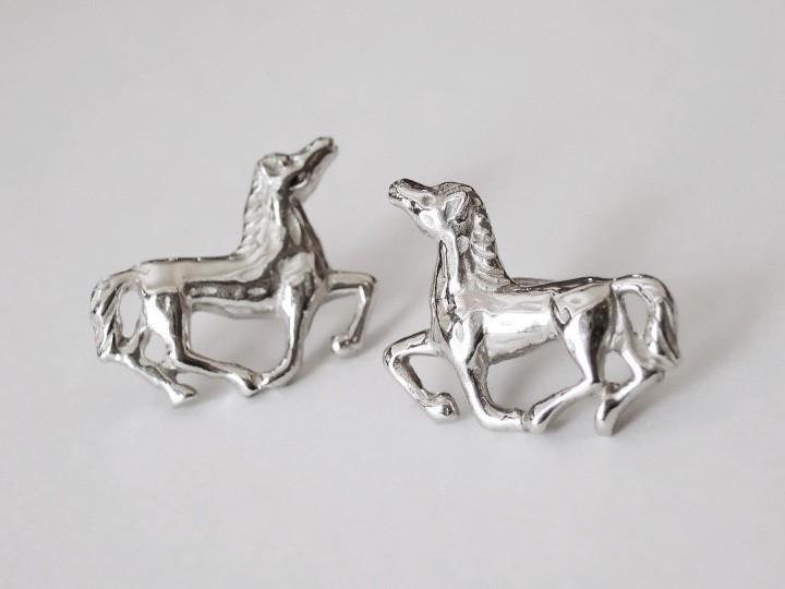 SOVATS HORSE EARRING