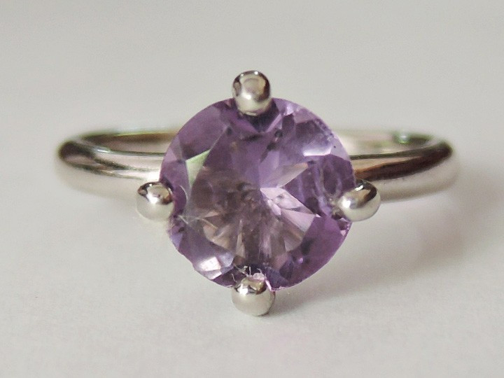 """SOVATS SOLITAIRE RING """"AMETHYST"""""""