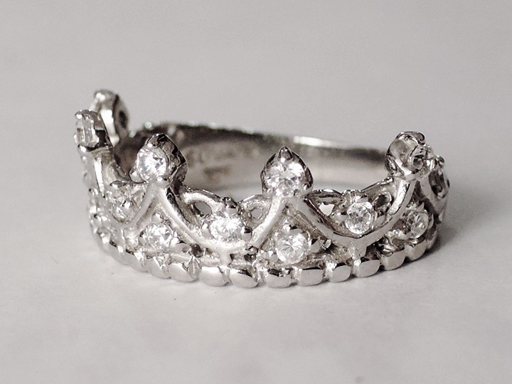 SOVATS CZ CROWN RING