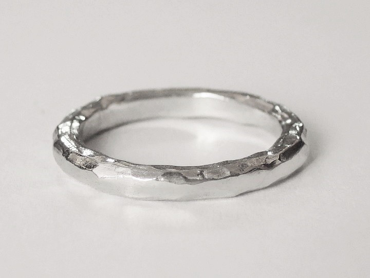 SOVATS HAMMERED RING