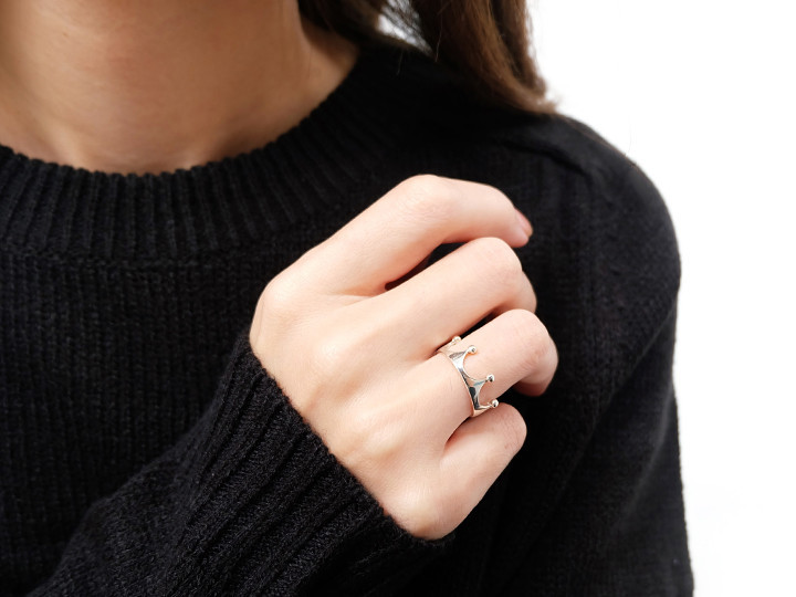 SOVATS CROWN RING