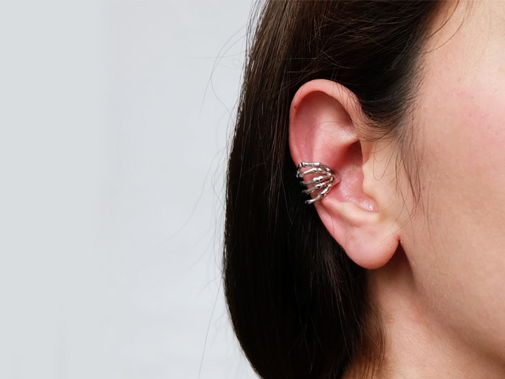 SOVATS EAR CUFF SKELETONS HAND