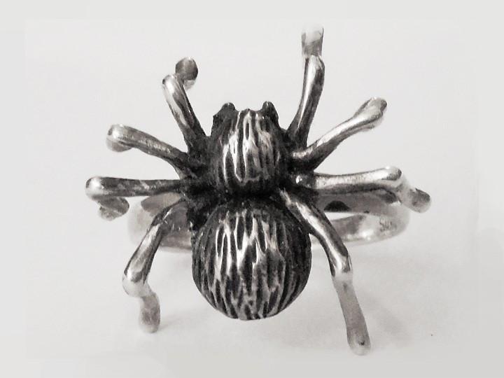 SOVATS SPIDER RING