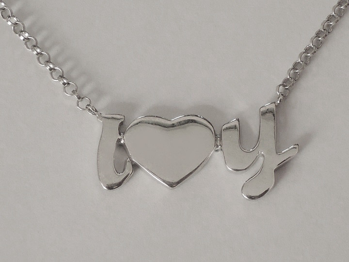 SOVATS HEART NECKLACE