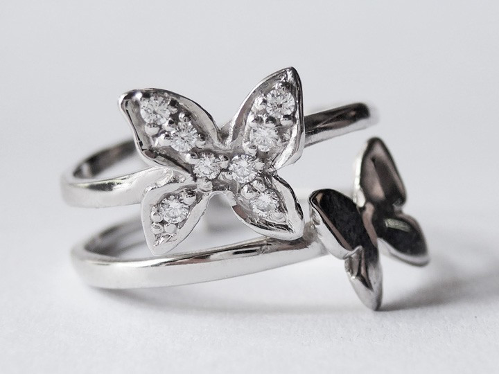 SOVATS DOUBLE BUTTERFLY RING