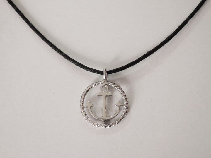 SOVATS BLACK ROUND ANCHOR CORD NECKLACE