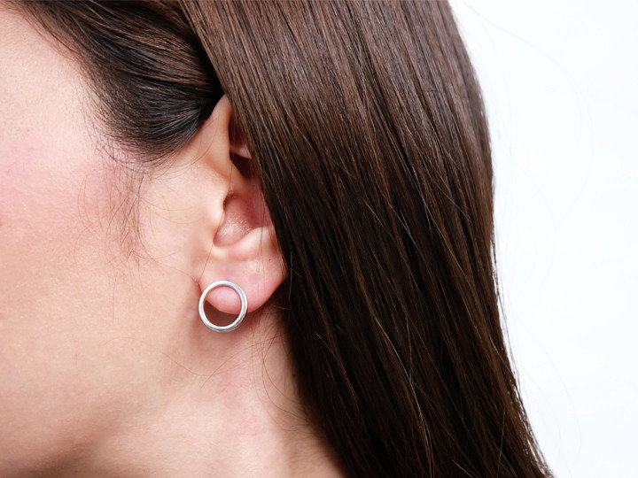 SOVATS CIRCLE EARRING
