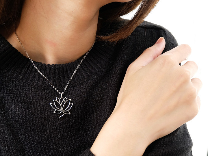 SOVATS LOTUS FLOWER PENDANT FOR NECKLACE