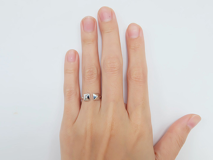 SOVATS DOUBLE SQUARE RING