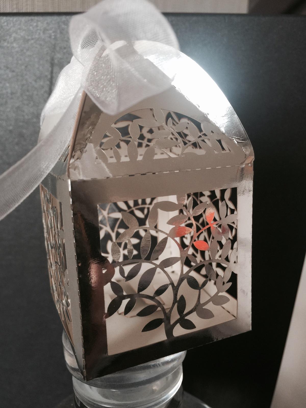 100pcs Metallic Silver Leaf Wedding Favor Boxes,Candy Boxes,laser cut Gift Boxes