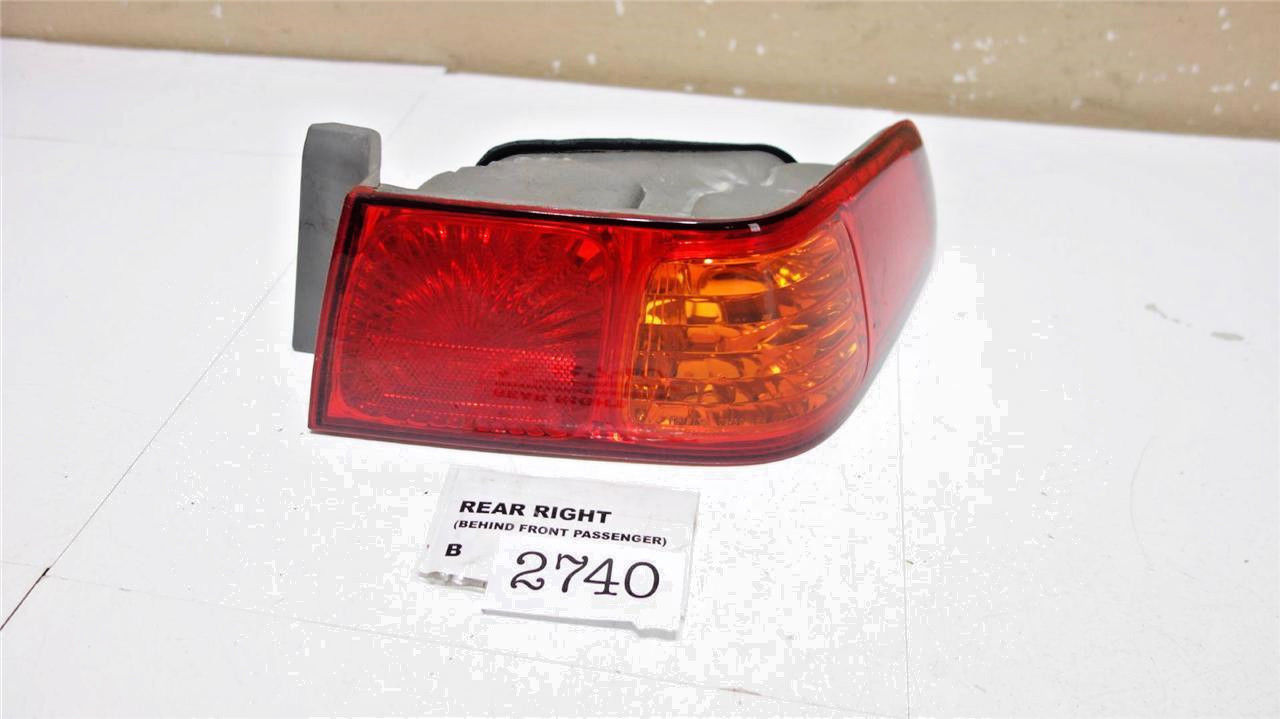 2000-2001 toyota camry rear right tail light taillight oem b2740