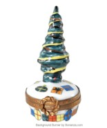 Limoges Box - Vintage Christmas Tree with Gifts & Wreath - Peint Main - $78.00