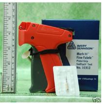 Fine AVERY DENNISON LABEL TAGGING TAG GUN +1000 barb - $18.99+